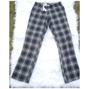 NWT Old Navy Black & White Plaid Lounging Sz Xs